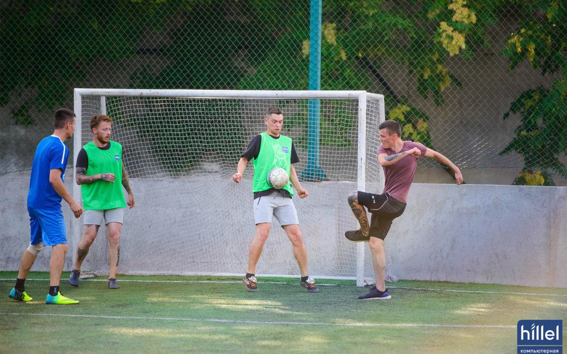 Новости школы: Футбольный выходной. Товарищеский матч в Днепре. фото 3