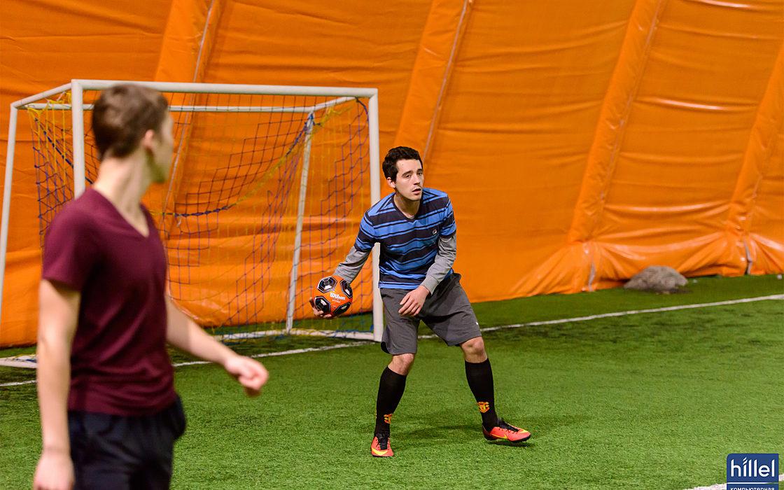 Новости школы: Спортивная суббота. Товарищеский футбольный матч в Днепре.  фото 5