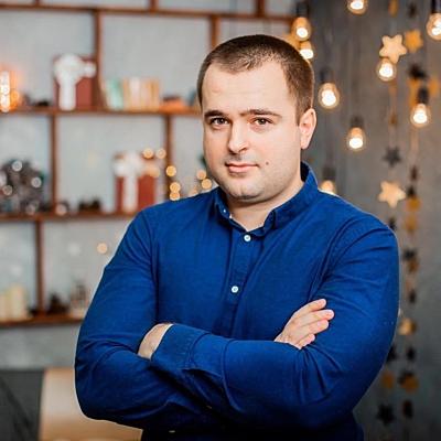 Евгений Романов
